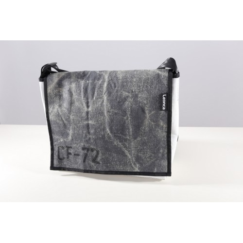 Leonca Tasche Large aus historischem Feldbett